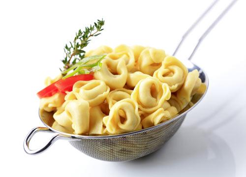 rezept thunfisch tortellini salat einfaches rezept mit bild. Black Bedroom Furniture Sets. Home Design Ideas